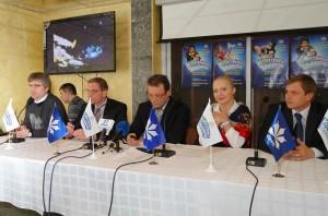 слева направо – Виктор Гриза, Юрий Сугак, Игорь Внуков, Светлана Захарова, Олег Логвинов на пресс-конференции в Донецке, 15 марта