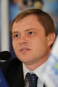 Олег Логвинов, гендиректор компании «КОНТИ», владельца проекта «КОНТИНЕТ талантов» на пресс-конференции в Донецке, 15 марта
