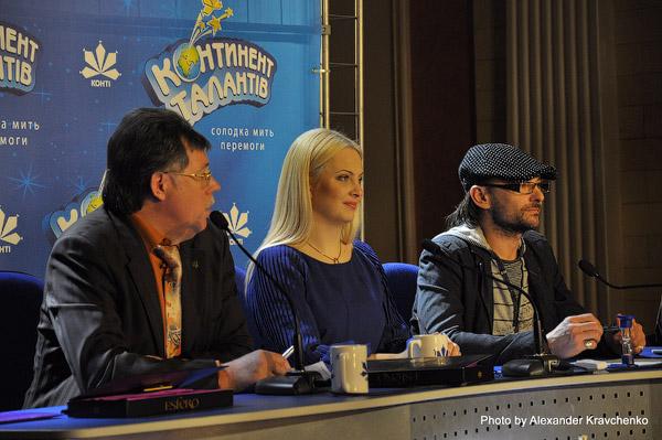 На фото: Андрей Еремин (крайний справа) в составе жюри конкурса «КОНТИНЕНТ талантов».