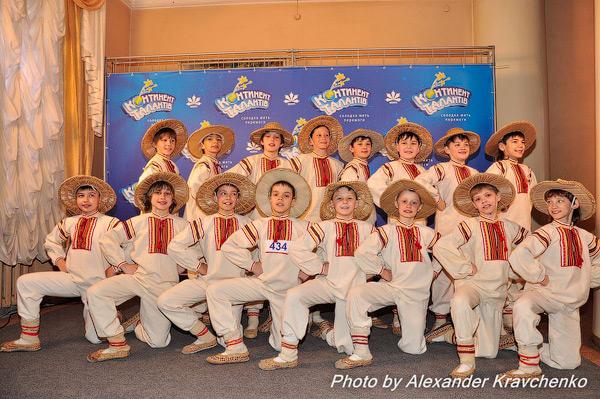 «Слобожанські хлопчаки» из народного ансамбля танца «Барвинок» (Луганск) поразили не только количеством, но и качеством.