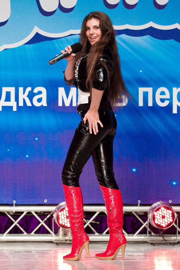 Колодницкая Юлия (Харьков) исполнила песню Ани Лорак Shady Lady столь убедительно, что покорить могла бы не только «КОНТИНЕНТ талантов», но и «Евровидение».