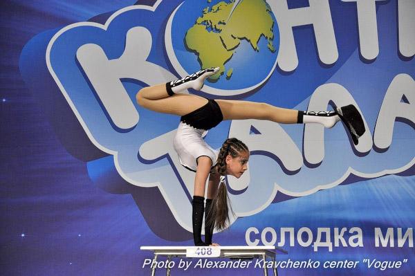«Это самый крутой номер на сегодня! 12 баллов!» - так прокомментировал выступление Анжелики Антоновой-Дитковской из Рубежного Андрей Еремин.