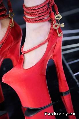 Красные туфельки с ключиками