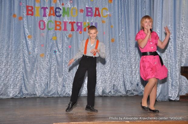 Творческий тандем: Карина Романенко поет, Сергей Редько – танцует